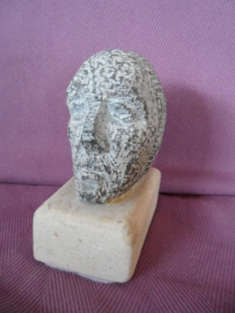 Small Medieval head. limestone.